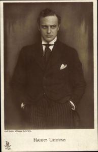 Ak Schauspieler Harry Liedtke, Portrait im Anzug, RPH 111 2