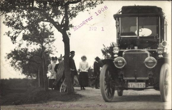 Foto Ak Manöver 1908, Automobil, Kennzeichen IT-1852, Radfahrer