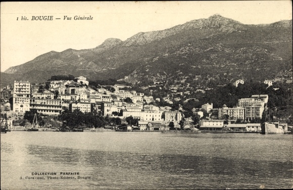 Ak Bougie Bejaia Algerien, Vue generale, Blick vom Meer auf die Stadt