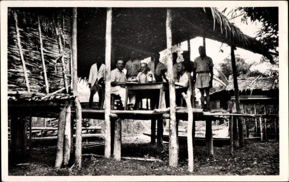 Ak Gabun, Ogooué Maritime, Au poste à bois No 1 à Fabala sur l'Ogooué