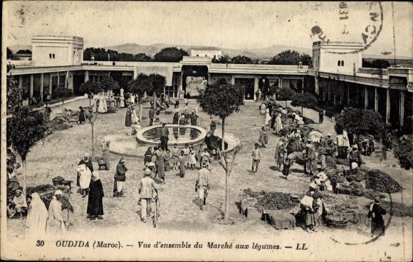 Ak Oudjda Oujda Marokko, Vue d'ensemble du Marché aux légumes, Gemüsemarkt