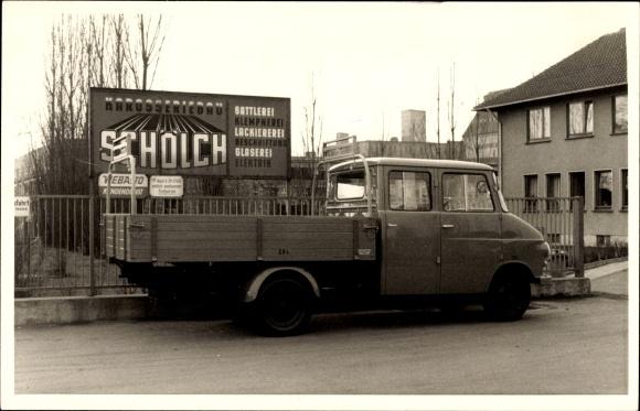 Foto Ak Karosseriebau Schölch, LKW mit Aufbau, Lastkraftwagen, Viertürer