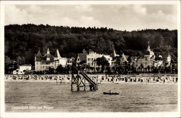 Ak Seebad Binz auf Rügen, Blick auf die Stadt vom Wasser aus, Wasserrutsche