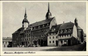 Ak Roßwein im Mittelsächsischen Bergland, Marktplatz mit Rathaus