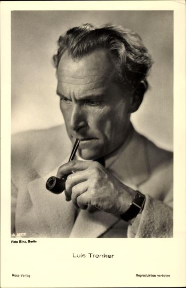 Ak Schauspieler und Bergsteiger Luis Trenker, Portrait mit Pfeife, Ross Verlag A 3277 1