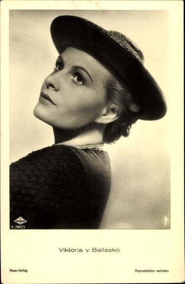Ak Schauspielerin Viktoria von Ballasko, Portrait mit Hut, Ross Verlag A 2907 1