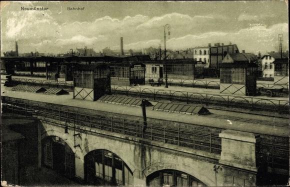 Ak Neumünster in Schleswig Holstein, Blick auf den Bahnhof