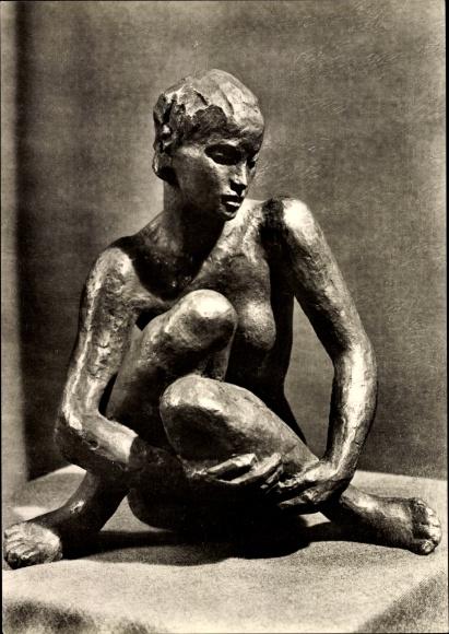 Ak Plastik Sitzende von Georg Kolbe, Bronze, Frauenakt