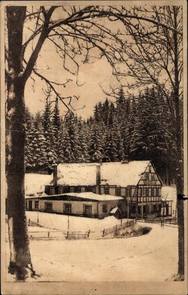 Ak Neudorf Sehmatal in Sachsen, Durchblick zum Wanderheim an der Vierenstraße, Winter, Wald 0