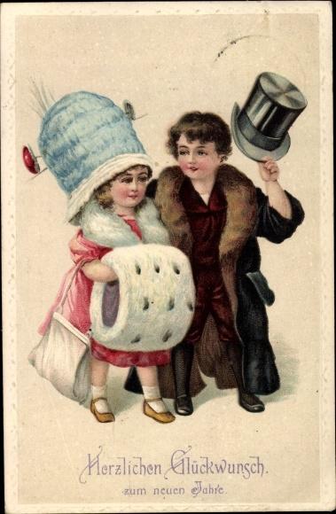 Präge Litho Glückwunsch Neujahr, Mädchen und Junge in zu großer Kleidung, Muff, Hut