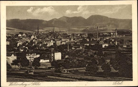 Ak Wałbrzych Waldenburg Schlesien, Totalansicht vom Ort