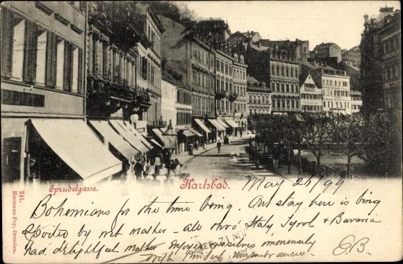 Ak Karlovy Vary Karlsbad Stadt, Sprudelgasse, Geschäfte, Spaziergänger