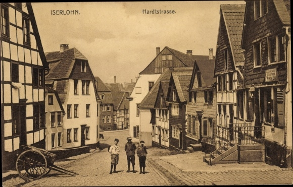 Ak Iserlohn im Märkischen Kreis, Hardtstraße, Straßenpartie