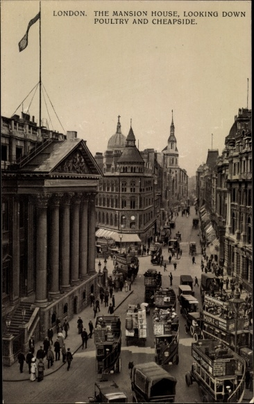 Ak London England, The Mansion House, looking down Poultry and Cheapside, Straßenpartie, Busse