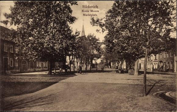 Ak Büderich Wesel am Niederrhein, Marktplatz mit Blick zur Kirche, Anwohner