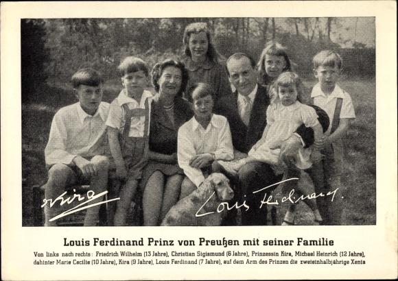 Ak Louis Ferdinand Prinz von Preußen mit seiner Familie, Kira, Christian Sigismund, Michael Heinrich