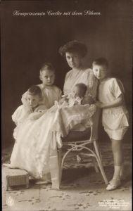 Ak Kronprinzessin Cecilie von Preußen mit ihren Söhnen, Wilhelm, Louis Ferdinand, NPG VI