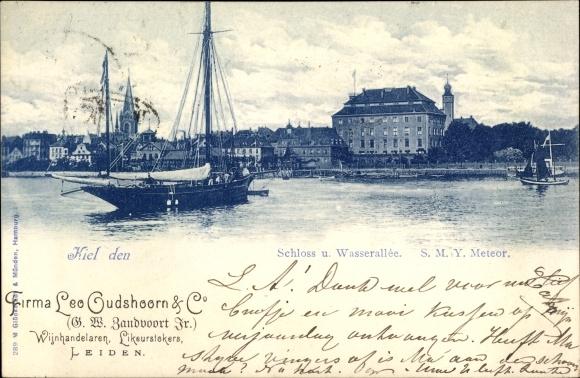 Ak Kiel in Schleswig Holstein, Partie an der Wasserallee mit Schloss, SMY Meteor
