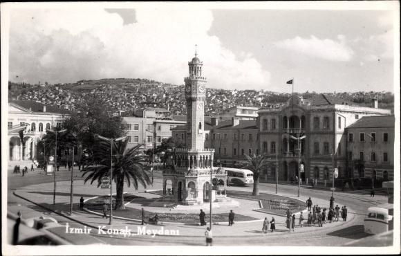 Ak Smyrna Izmir Türkei, Konak Meydani, Uhrturm, Platzpartie