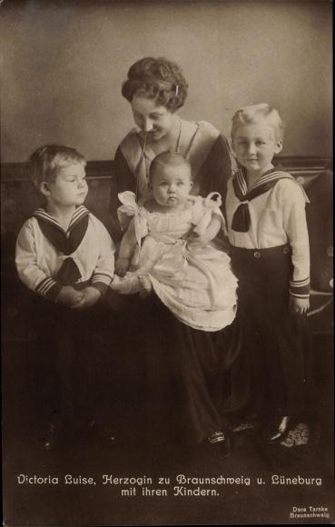Ak Prinzessin Victoria Luise von Preußen, Herzogin zu Braunschweig und Lüneburg, Kinder