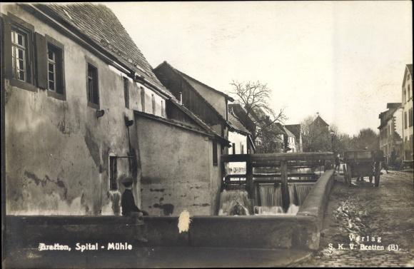 Ak Bretten im Kreis Karlsruhe Baden Württemberg, Spital, Mühle, Wassermühle, Straßenpartie im Ort