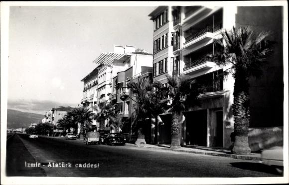 Ak Smyrna Izmir Türkei, Atatürk caddesi, Straßenpartie in der Stadt