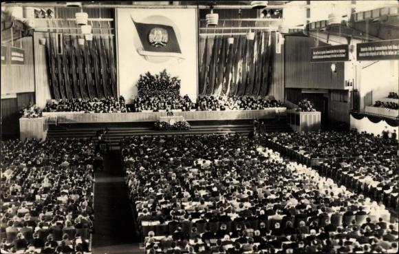 Ak Berlin Mitte, 3. Parteikonferenz der Sozialistischen Einheitspartei Deutschlands 1956, DDR