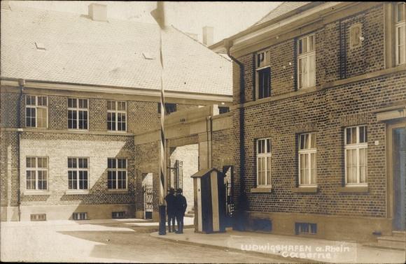 Ak Ludwigshafen am Rhein Rheinland Pfalz, Caserne, Eingang zur Kaserne