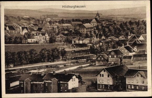 Ak Hildburghausen im Tal der Werra Thüringen, Teilansicht der Stadt, Bahnhof