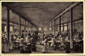 Ak Hamburg Wandsbek, Reichardt-Kakao-Werk, Schokoladen-Einpackraum, Arbeiter