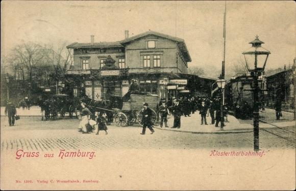 Ak Hamburg Mitte Altstadt, Klostertorbahnhof, Bahnsteig, Eisenbahnwaggon, Kutsche, Passanten