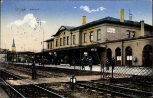 Ak Ohligs Solingen Bergisches Land, Bahnhof von der Gleisseite, Schaffner auf dem Bahnsteig