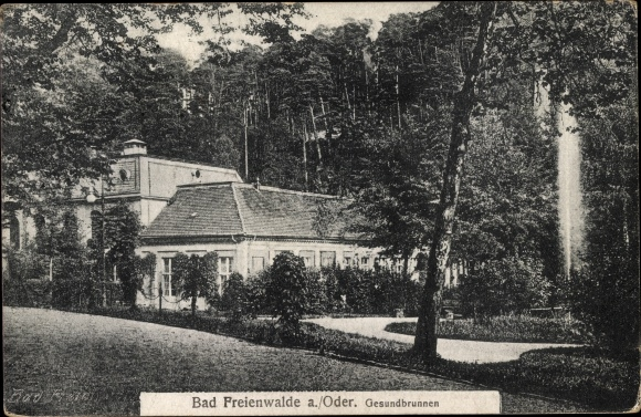 Ak Bad Freienwalde an der Oder, Gesundbrunnen, Außenansicht vom Garten