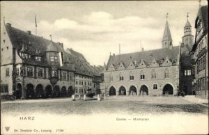 Ak Goslar in Niedersachsen, Blick über den Marktplatz zum Rathaus, Brunnen, Trenkler 17 786