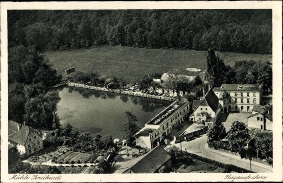Ak Lindhardt Naunhof im Kreis Leipzig, Fliegeraufnahme der Mühle Lindhardt mit Umgebung