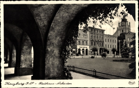 Ak Kreuzburg Slawskoje Oberschlesien, Rathaus, Arkaden, Turmuhr, Geschäft Willy Günter