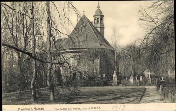 Ak Hamburg Mitte Hamm, Blick zur Dreifaltigkeitskirche, Friedhof, Grabsteine