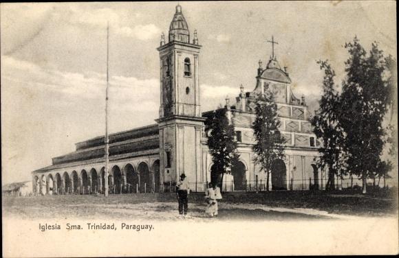 Ak Paraguay, Iglesia Sma. Trinidad, Kirche von der Straße gesehen