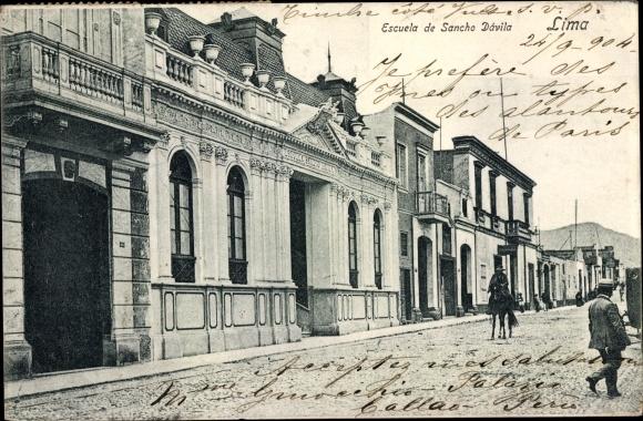 Ak Lima Peru, Escuela de Sancho Davila, Schulgebäude, Straßenansicht
