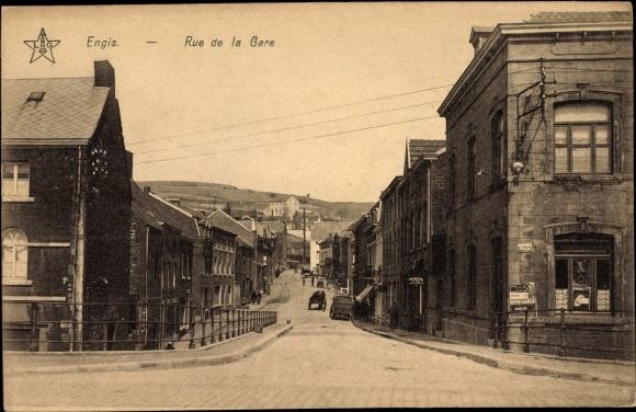 Ak Engis Wallonien Lüttich, Rue de la Gare, Straßenpartie im Ort