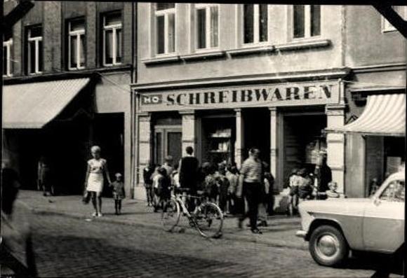 4 alte Fotos HO Schreibwaren, DDR, verschiedene Ansichten