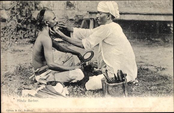 Ak Indien, Hindu Barber, Indischer Barbier rasiert einen Mann