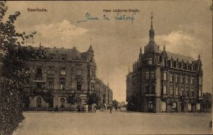 Ak Saarlouis im Saarland, Blick in die Neue Lisdorfer Straße, Passanten