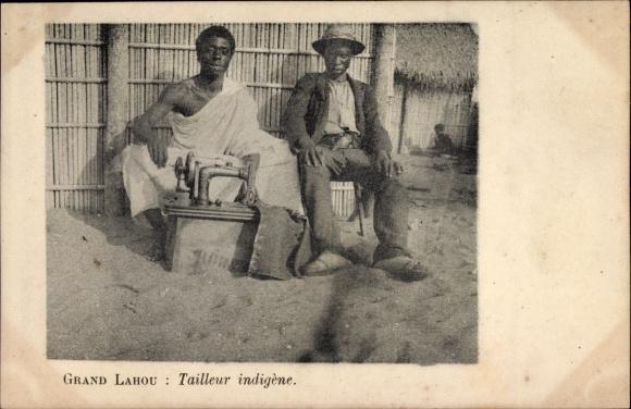 Ak Grand Lahou Elfenbeinküste, Tailleur indigène, Schnieder, Nähmaschine