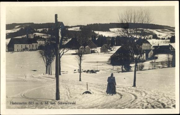 Ak Hinterzarten im Südschwarzwald, Teilansicht vom Ort im Winter