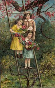 Präge Litho Glückwunsch Namenstag, Kinder mit Blumen und Briefen auf einer Leiter, EAS