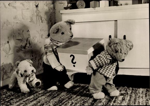 Ak Teddybären mit einem Geschenk, Plüschhund