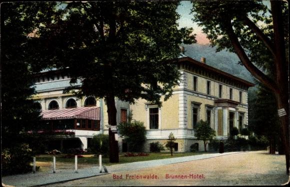 Ak Bad Freienwalde an der Oder, Brunnen-Hotel, Außenansicht