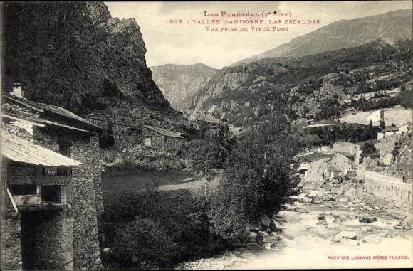 Ak Andorra, Le Pyrenees, Las Escaldas, Vue prise du Vieux Pont