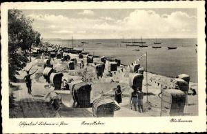 Ak Seebad Lubmin, Partie am Strand, Strandkörbe, Blick aufs Meer
